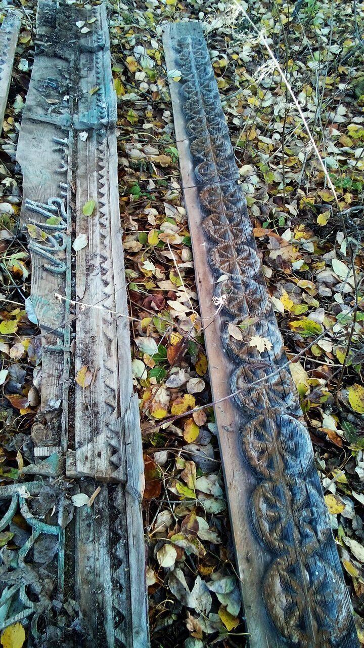 Старая деревянная архтектурная резба