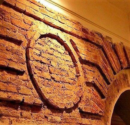 Реставрация старых стен и кладок.