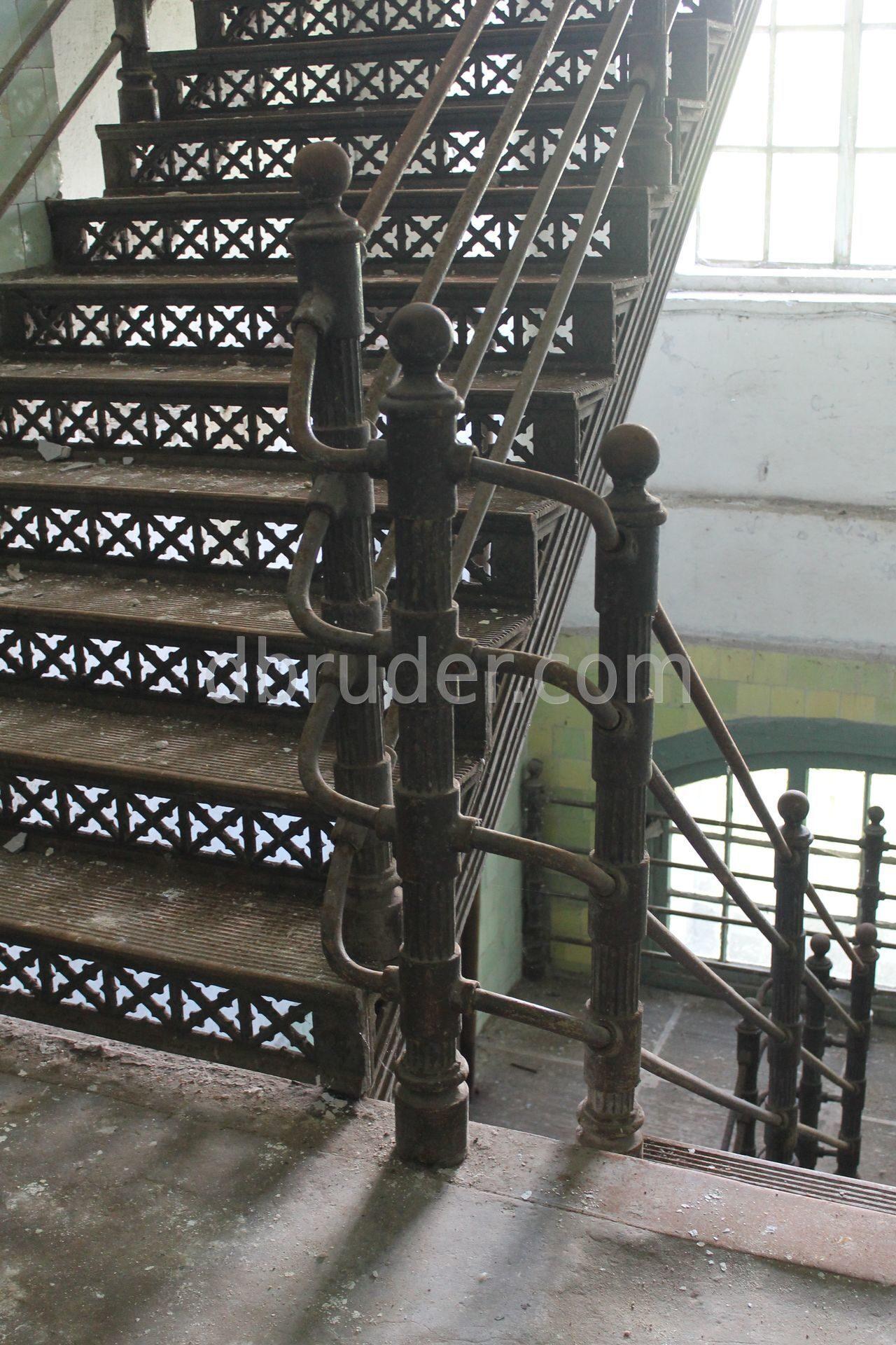 Балясины из дерева в Ярославле купить для лестниц уйма